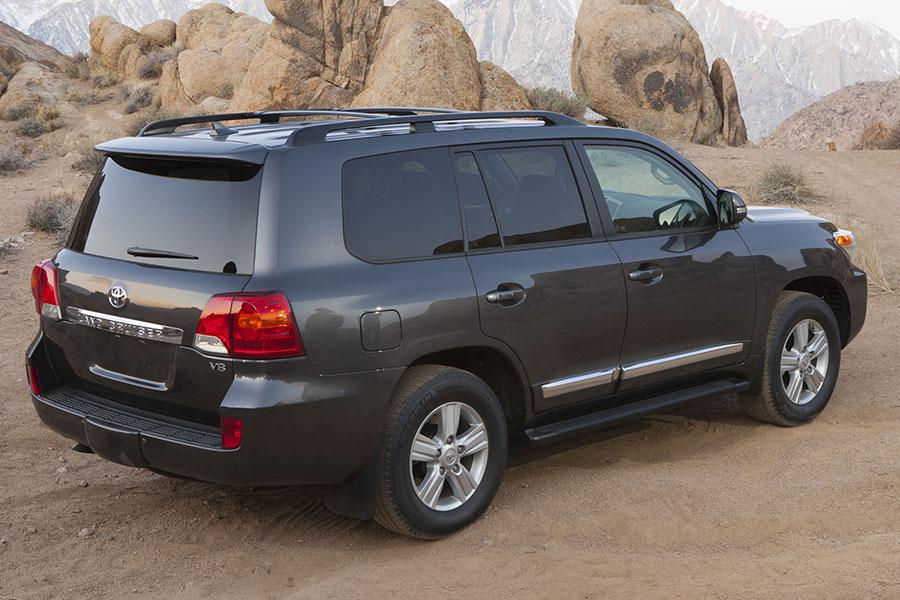 2014 Toyota Land Cruiser Photo 3 of 16