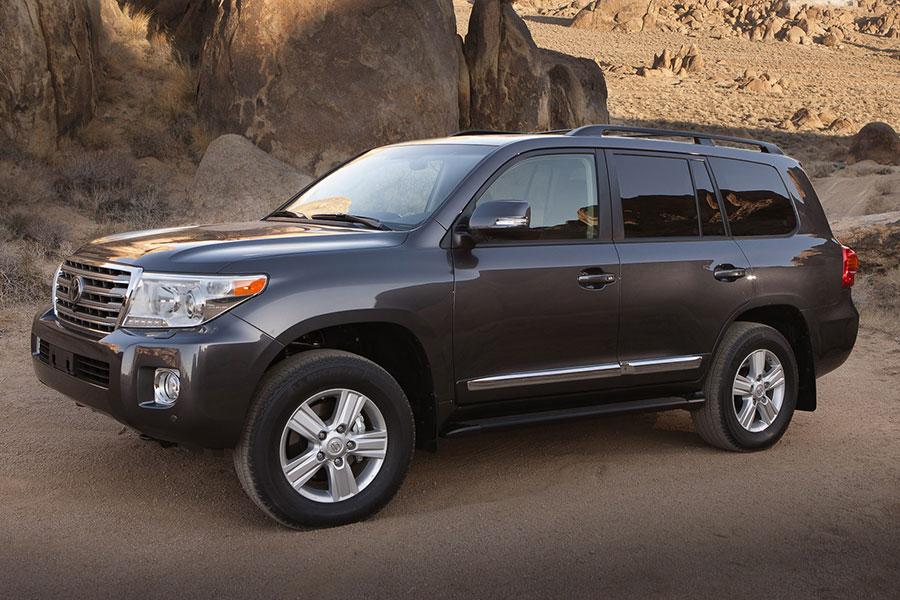2014 Toyota Land Cruiser Photo 5 of 16