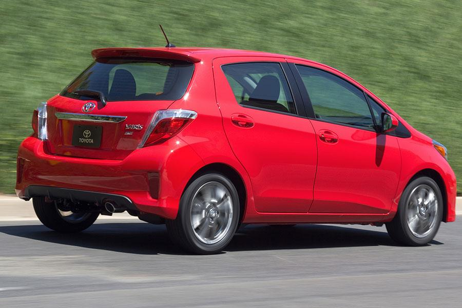 2014 Toyota Yaris Photo 2 of 22
