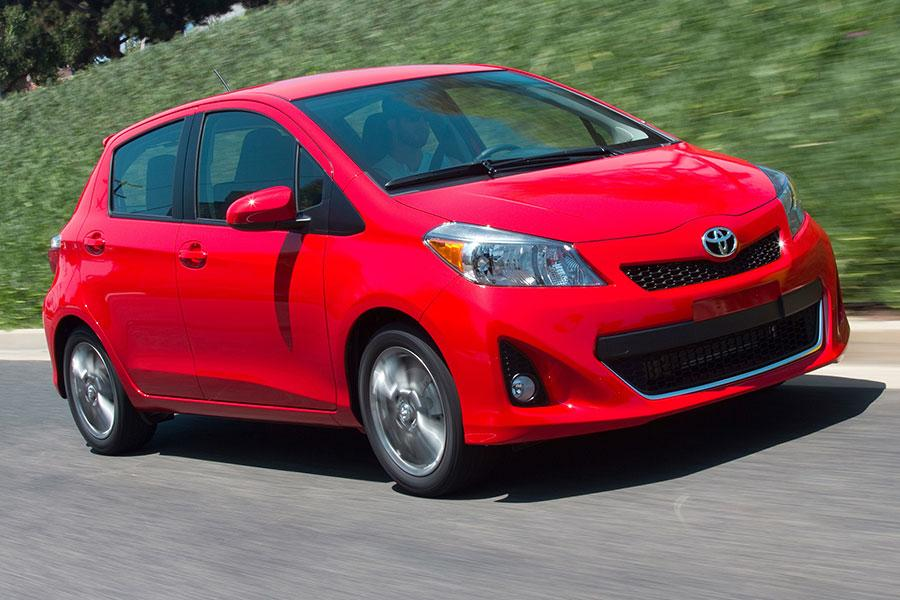 2014 Toyota Yaris Photo 3 of 22