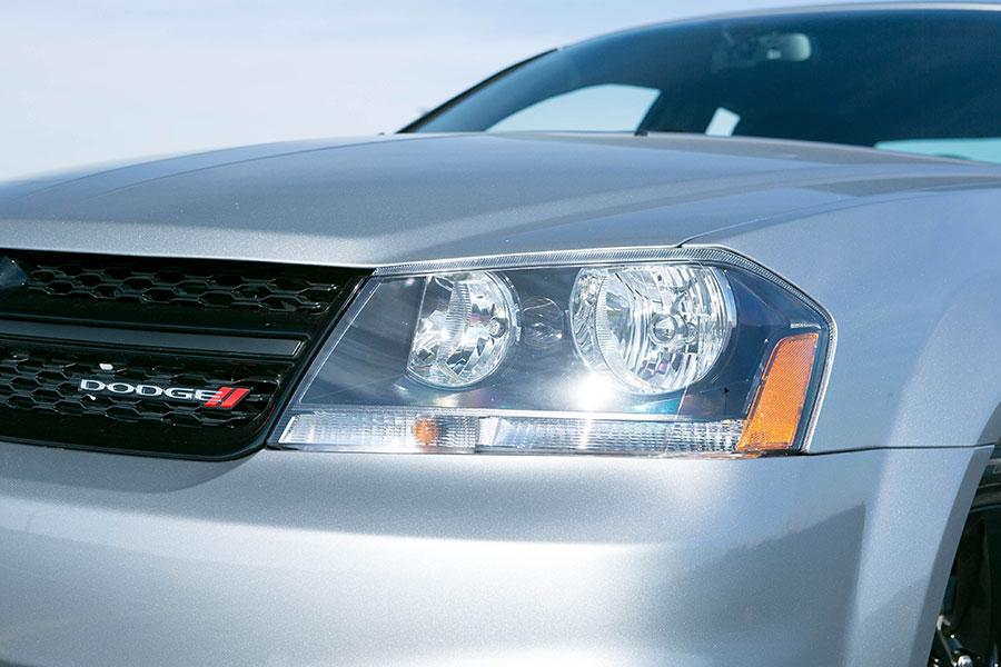 2014 Dodge Avenger Photo 3 of 28
