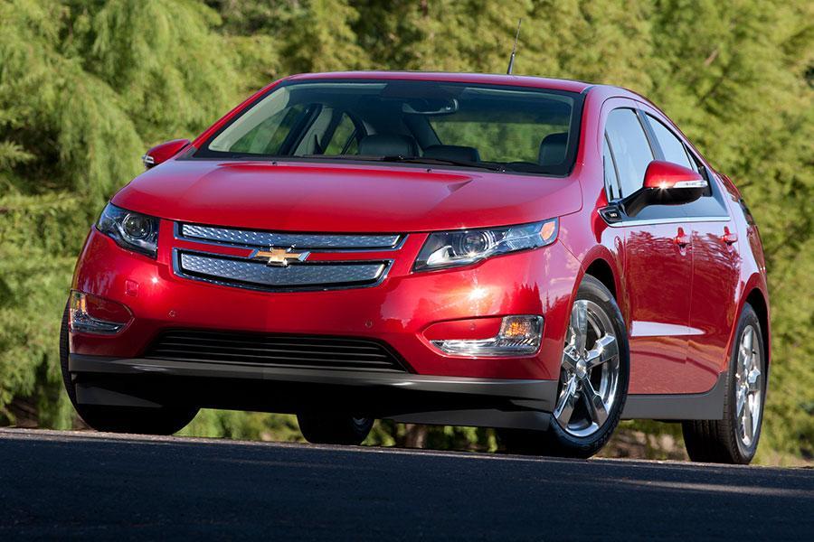 2014 Chevrolet Volt Overview  Carscom