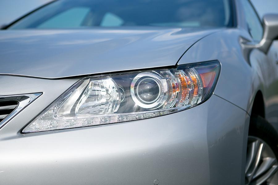2014 Lexus ES 350 Photo 4 of 19