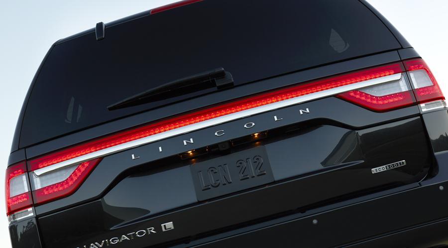 2015 Lincoln Navigator Photo 6 of 9