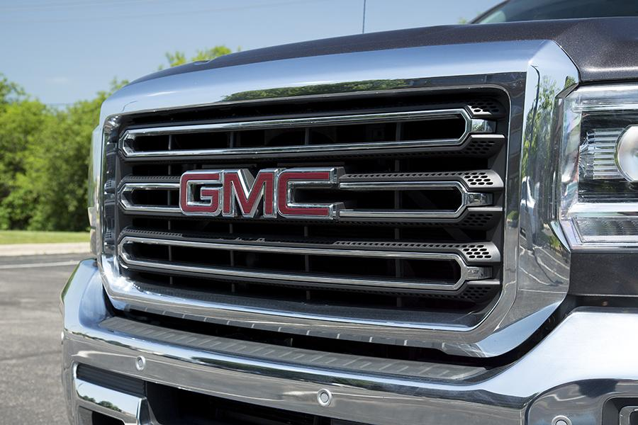2015 GMC Sierra 3500 Photo 3 of 18