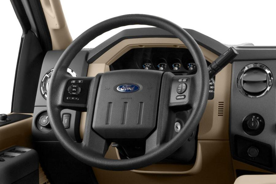 2015 Ford F-350 Photo 3 of 6