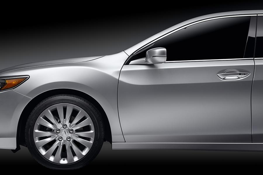 2015 Acura RLX Photo 2 of 30