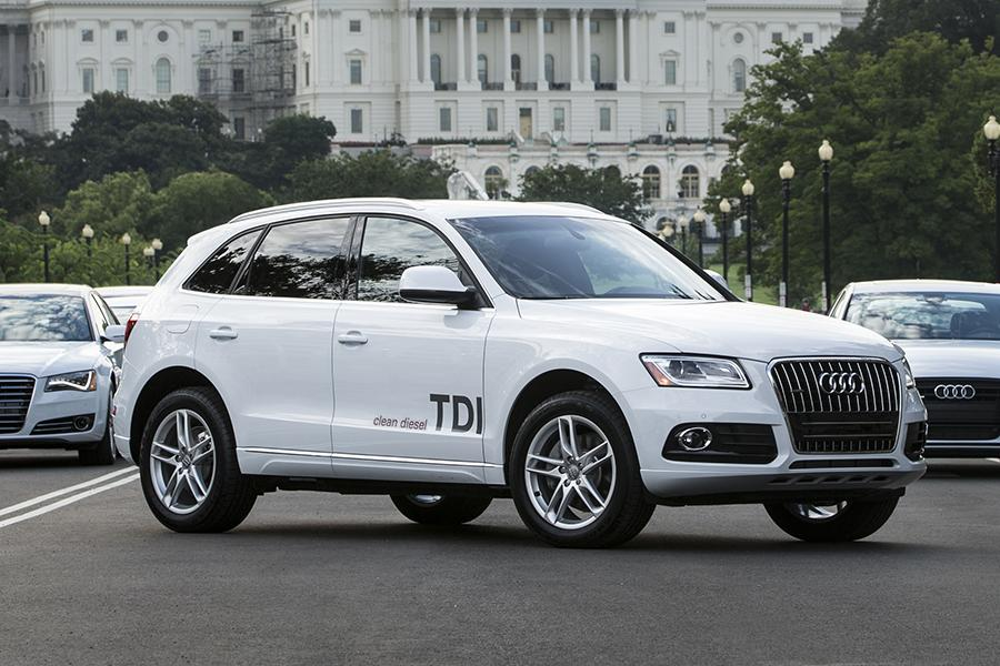 2014 audi q5 hybrid overview. Black Bedroom Furniture Sets. Home Design Ideas