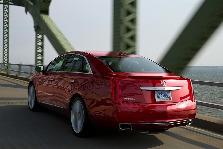 2015 Cadillac XTS Photo 4 of 23