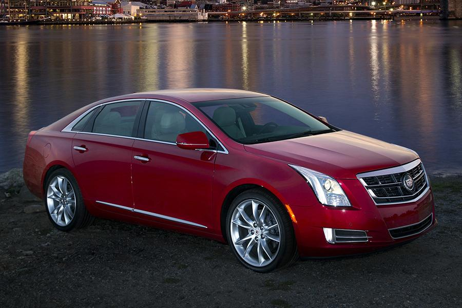 2015 cadillac xts reviews specs and prices. Black Bedroom Furniture Sets. Home Design Ideas