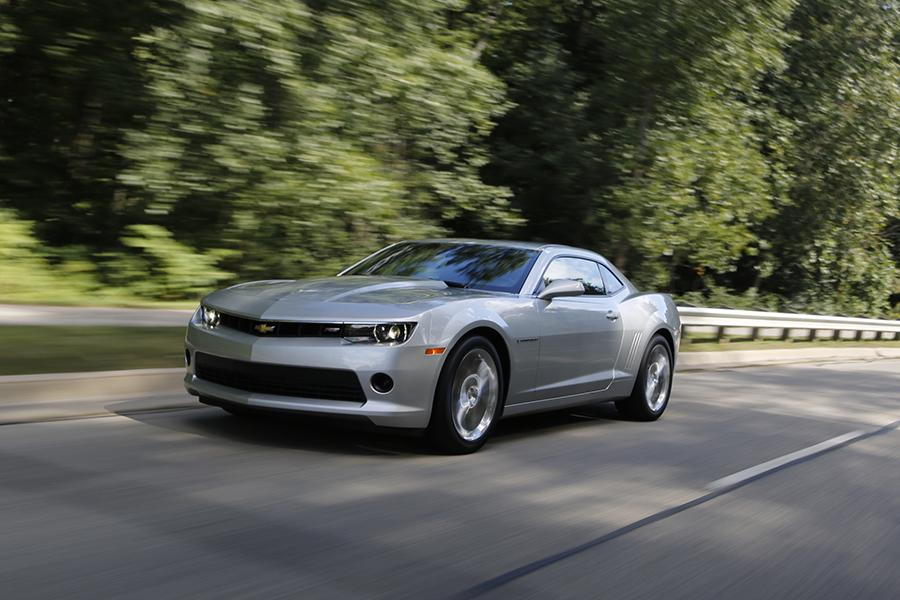 2015 Chevrolet Camaro Photo 2 of 10