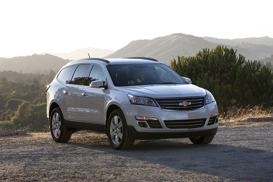 2015 Chevrolet Traverse Photo 2 of 21