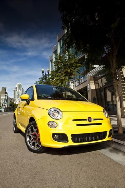 2015 FIAT 500 Photo 3 of 9