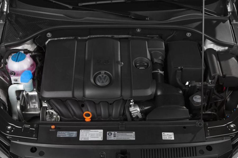 2014 Volkswagen Passat Photo 4 of 17
