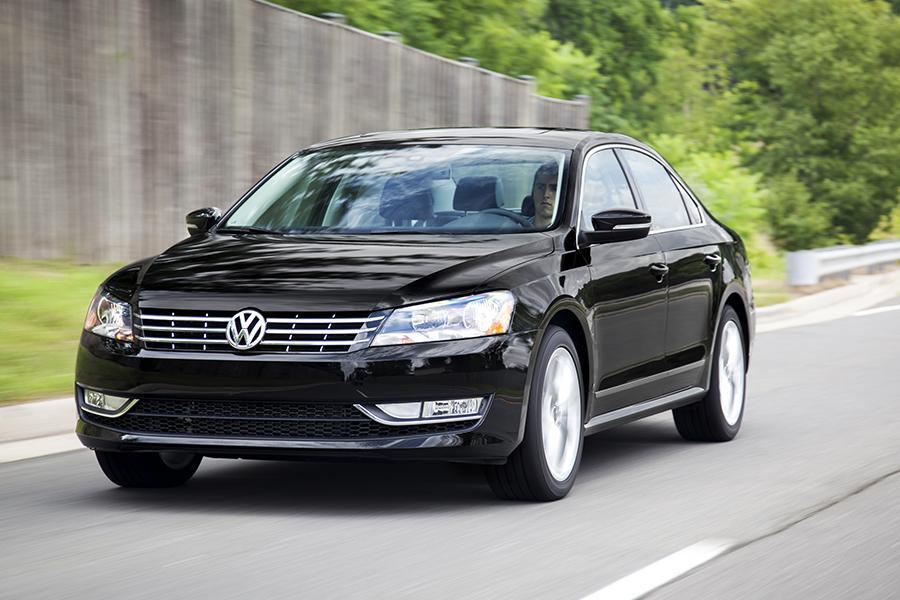 2014 Volkswagen Passat Photo 5 of 17