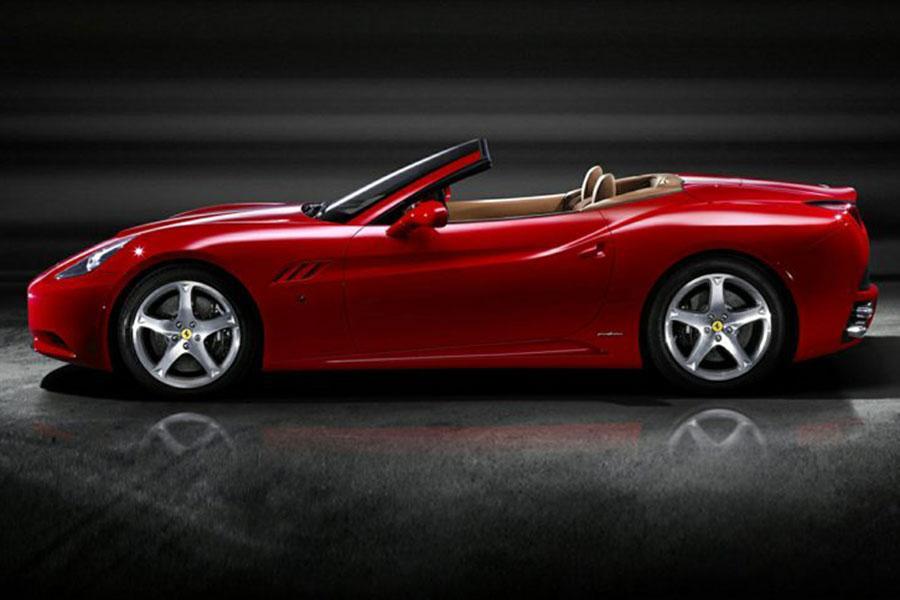 2014 Ferrari California Photo 2 of 6