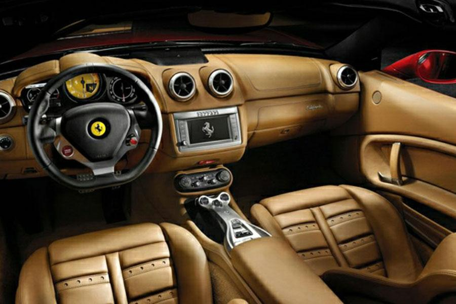 2014 Ferrari California Photo 5 of 6