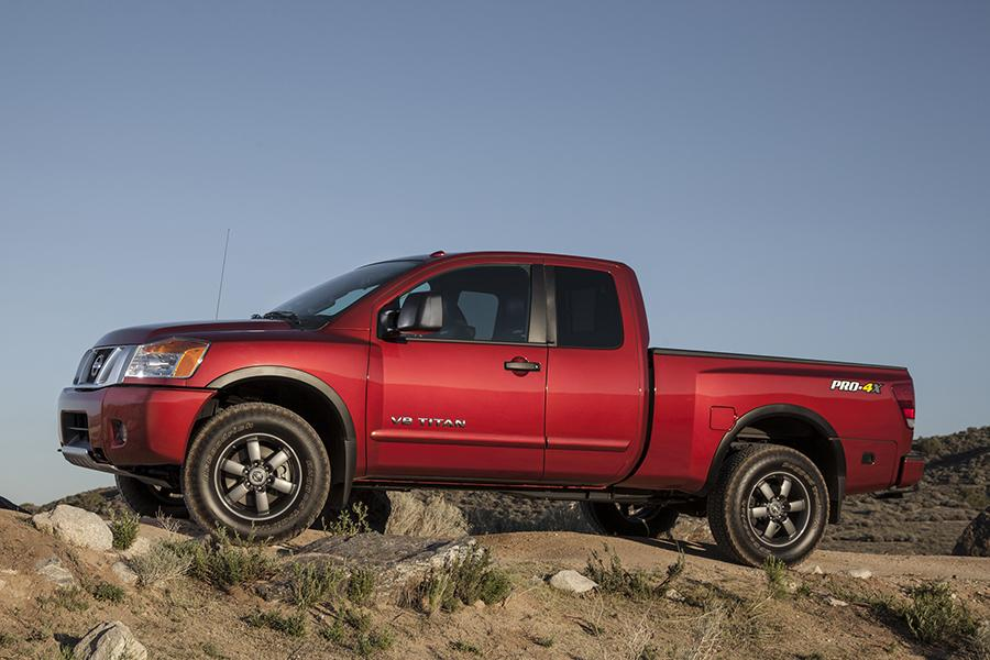 2014 Nissan Titan Photo 4 of 28