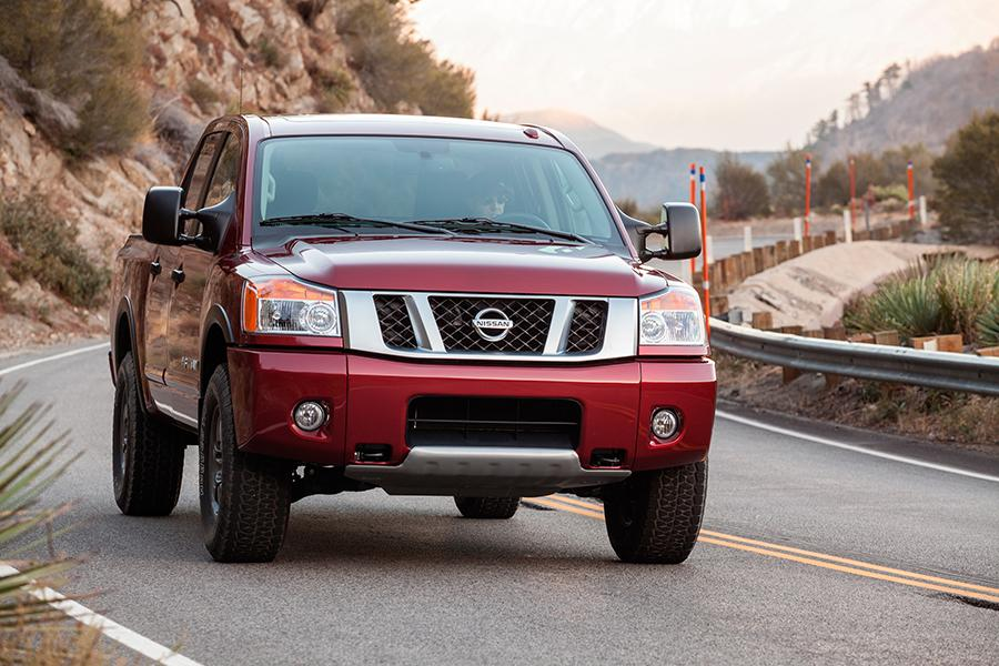 2014 Nissan Titan Photo 5 of 28