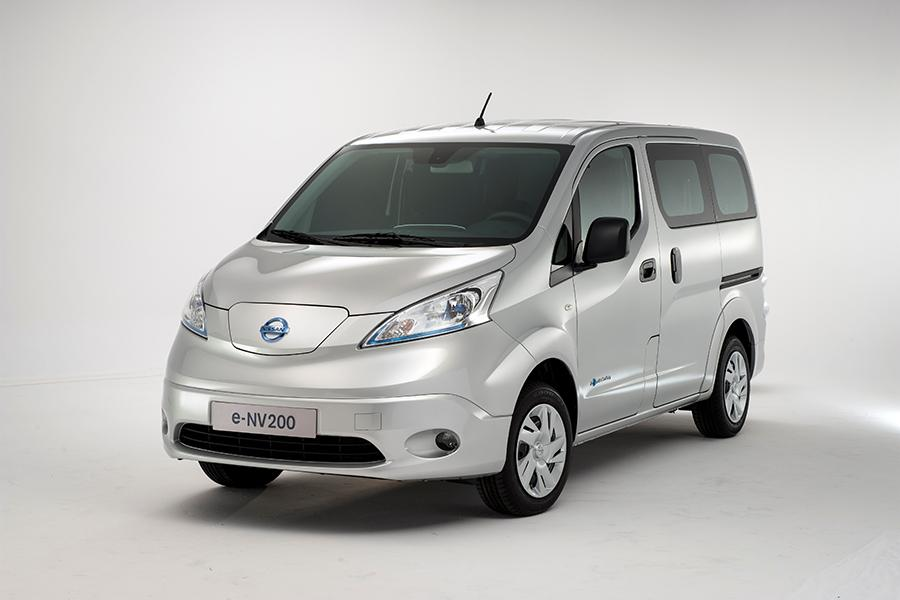 2014 Nissan NV200 Overview | Cars.com