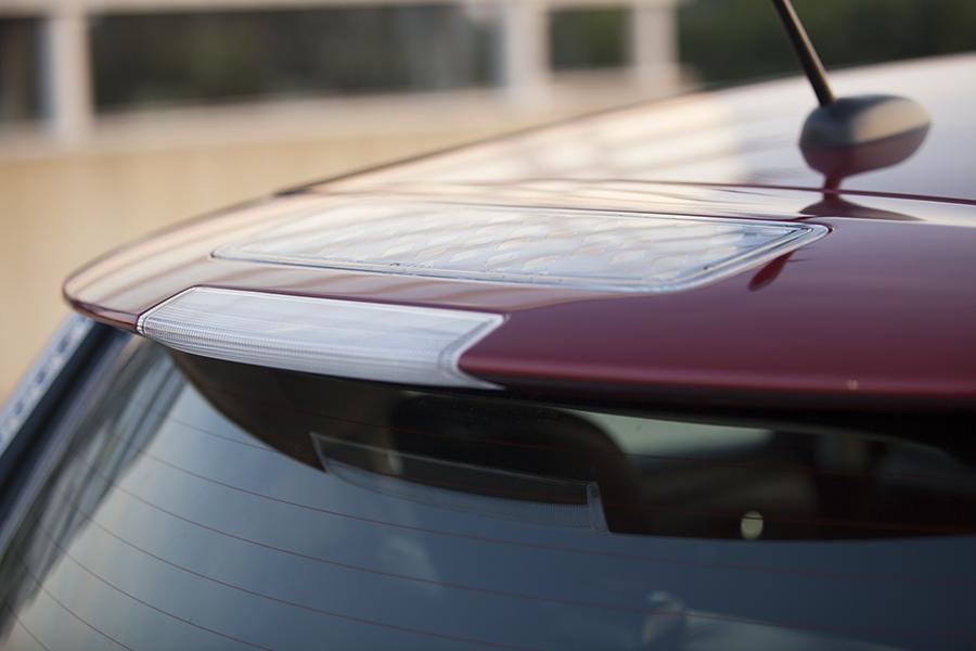 2014 Nissan Leaf Photo 2 of 17
