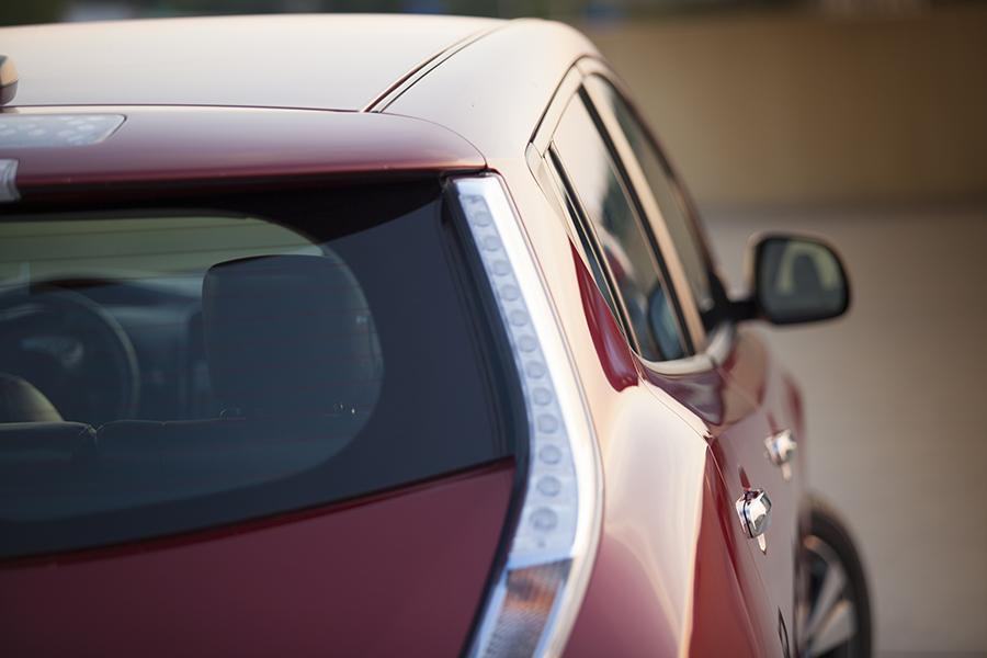2014 Nissan Leaf Photo 6 of 17
