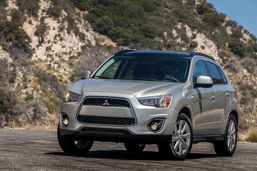 2014 mitsubishi outlander sport reviews specs and prices. Black Bedroom Furniture Sets. Home Design Ideas