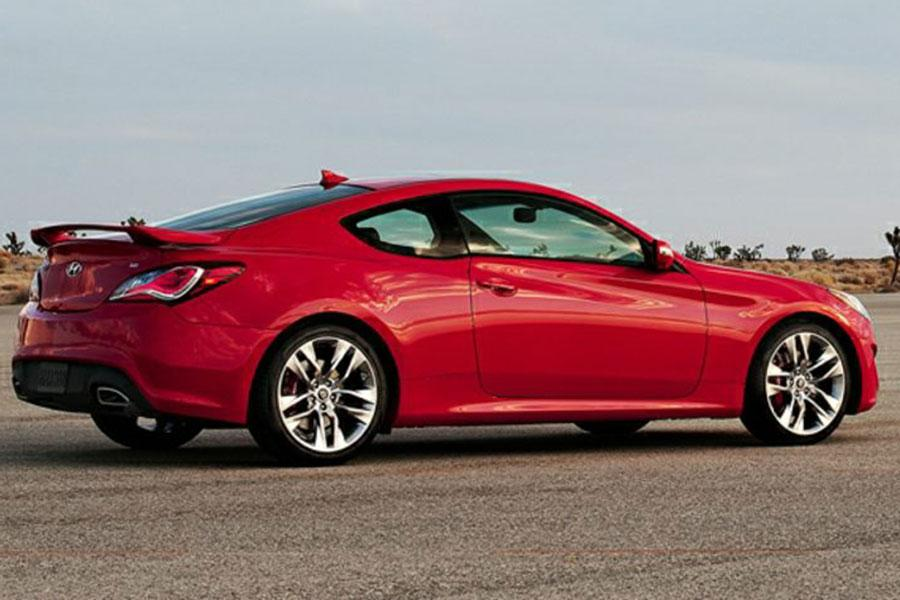 2014 hyundai genesis coupe overview. Black Bedroom Furniture Sets. Home Design Ideas