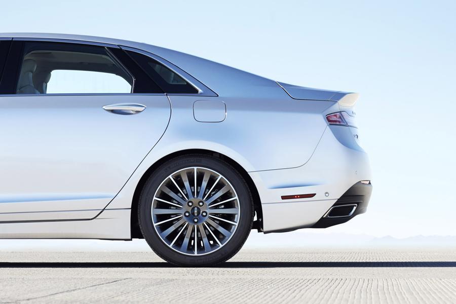 2014 Lincoln MKZ Hybrid Photo 5 of 16