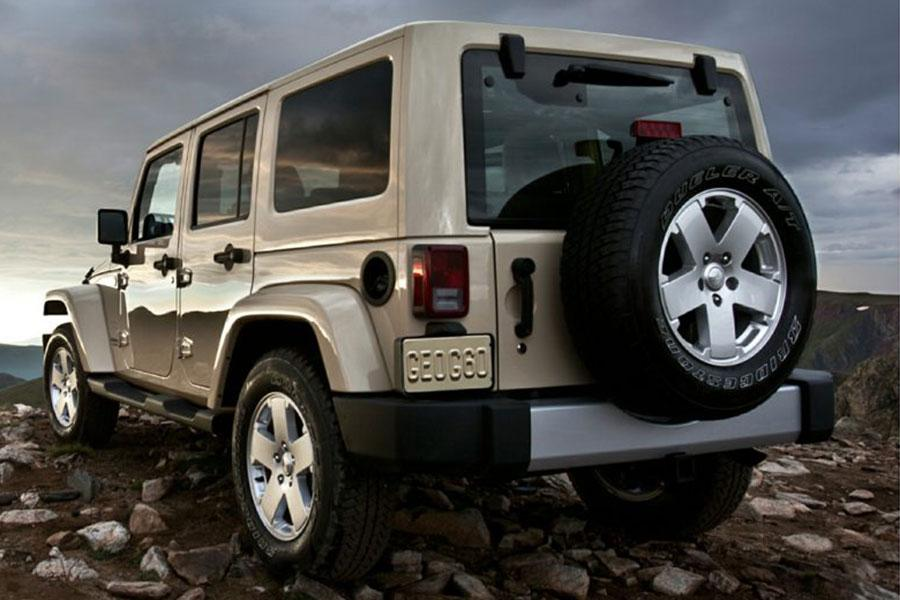 2014 Jeep Wrangler Unlimited Photo 3 of 18