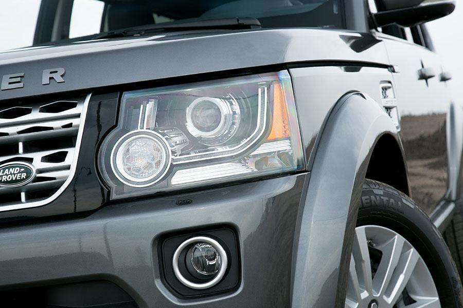 2014 Land Rover LR4 Photo 2 of 24