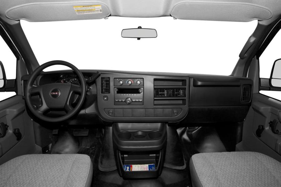 2014 GMC Savana 3500 Photo 6 of 7