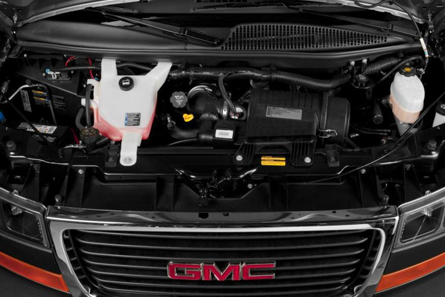 2014 GMC Savana 3500 Photo 4 of 7