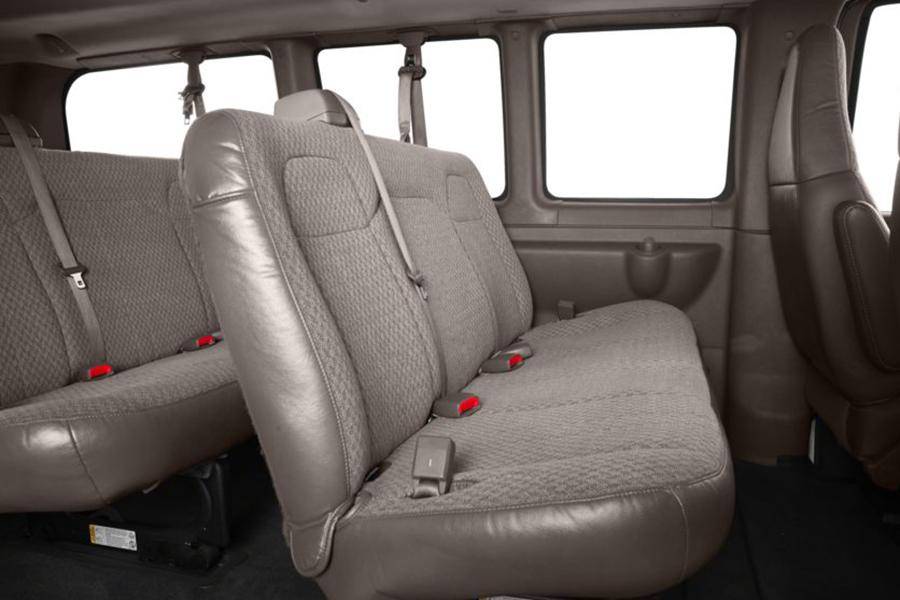 2014 Chevrolet Express 2500 Photo 6 of 8