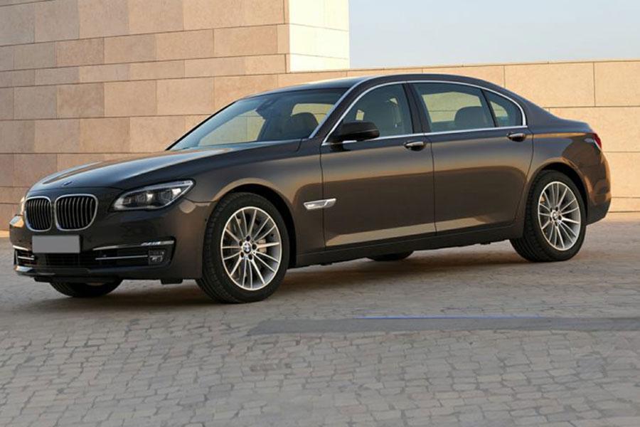 2014 BMW 740 Photo 1 of 15