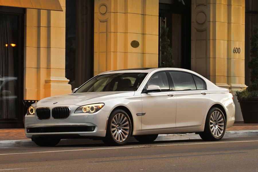 2014 BMW 750 Photo 1 of 14