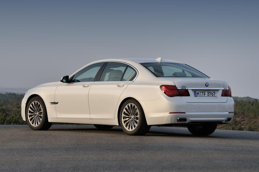 2014 BMW 750 Photo 6 Of 14