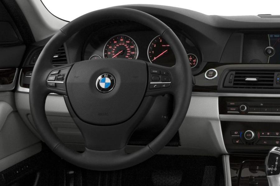 2013 BMW 550 Photo 4 of 9