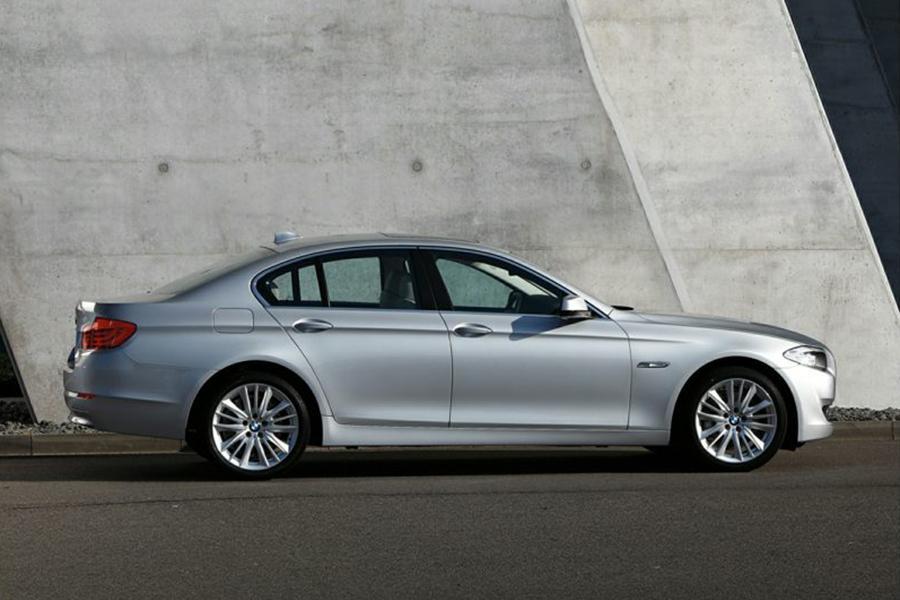 2013 BMW 550 Photo 3 of 9