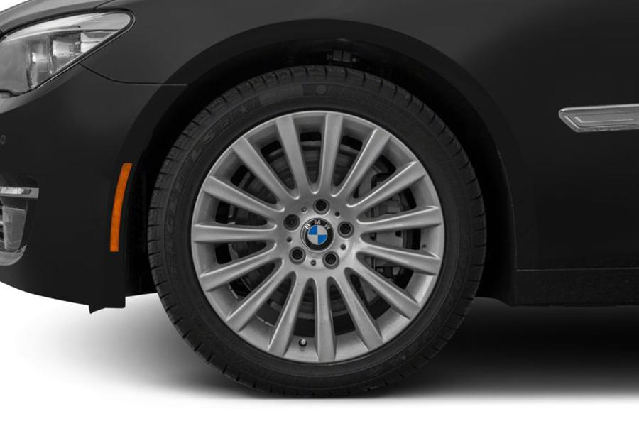 2013 BMW 740 Photo 3 of 10