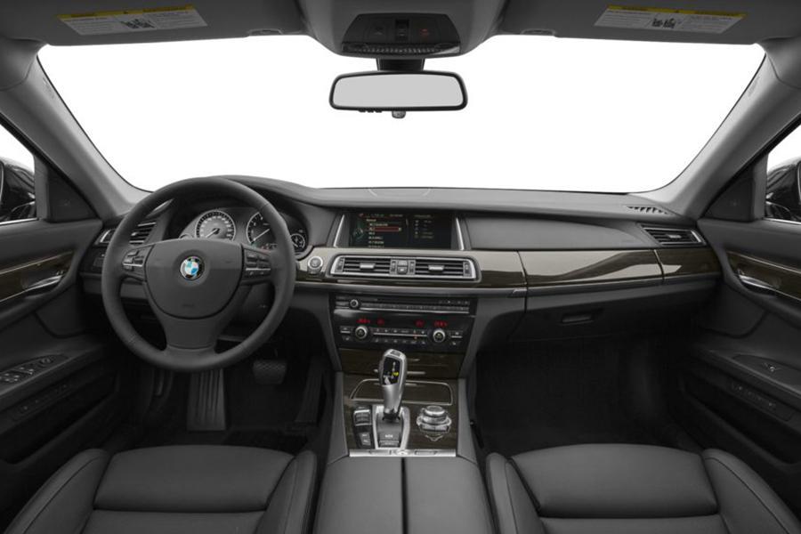 2013 BMW 740 Photo 6 of 10