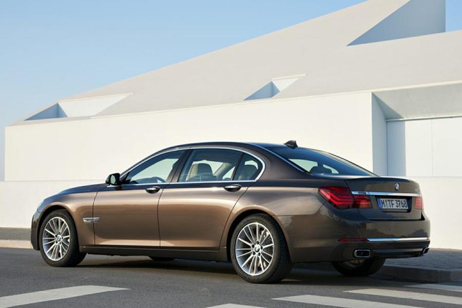 2013 BMW 740 Photo 4 of 10