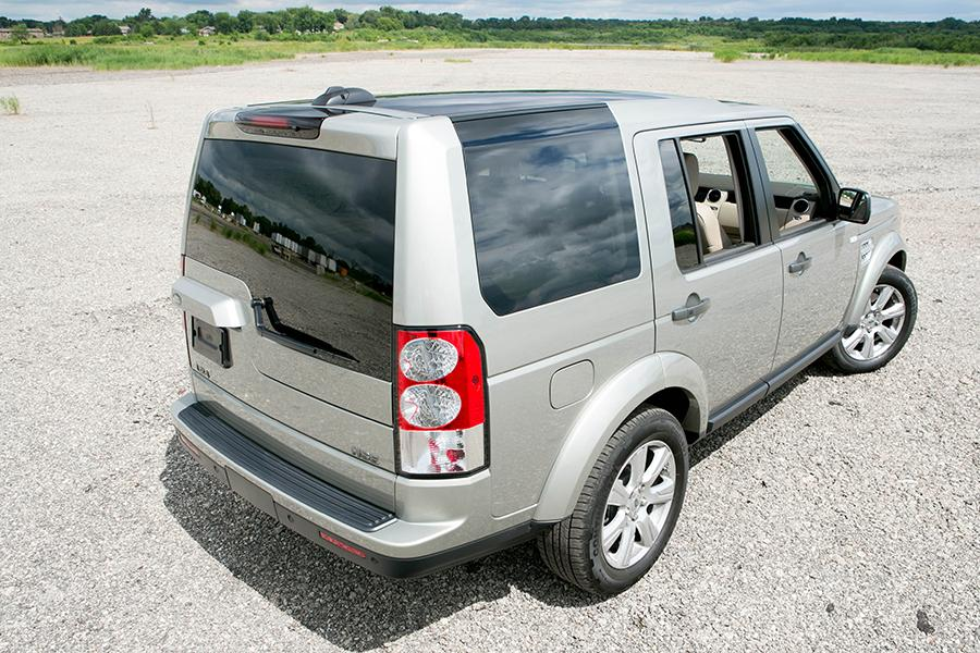 2013 land rover lr4 reviews specs and prices. Black Bedroom Furniture Sets. Home Design Ideas