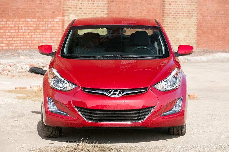 2015 Hyundai Elantra Photo 2 of 22