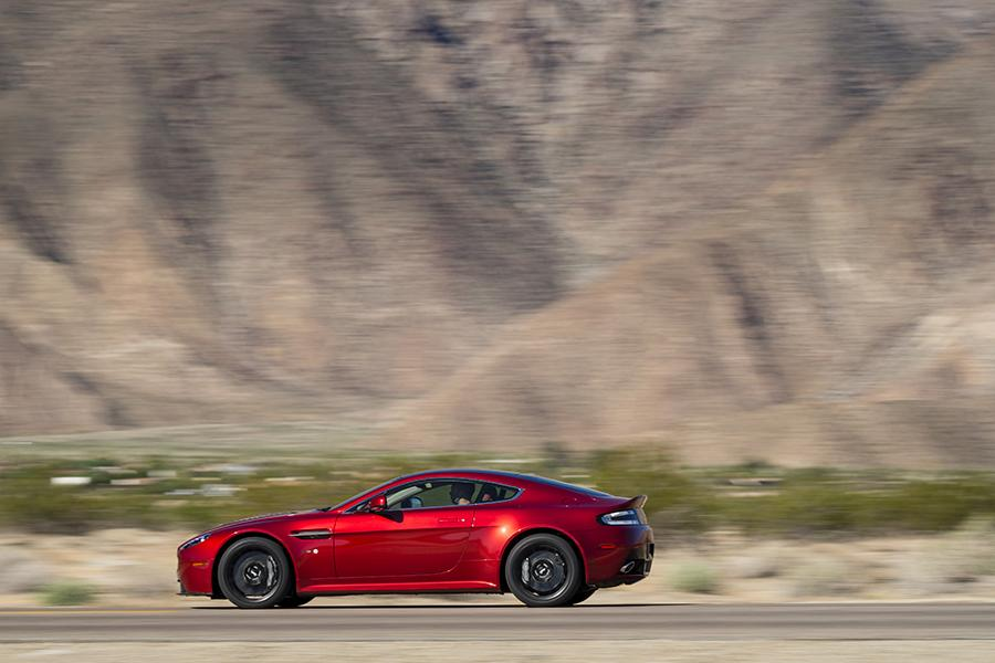 2015 Aston Martin V12 Vantage S Photo 4 of 28