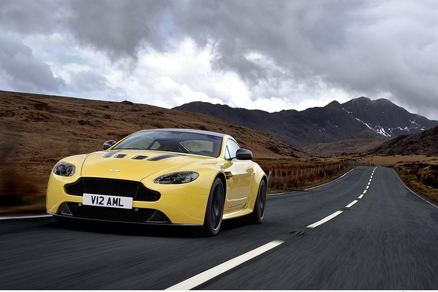 2015 Aston Martin V12 Vantage S Photo 1 of 28