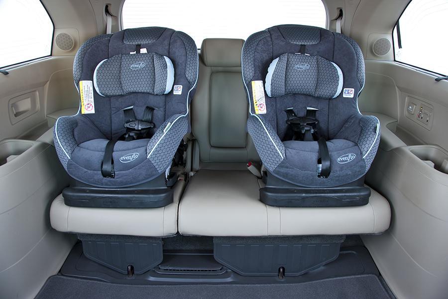2015 Honda Odyssey Car Seat Check | tinadh.com
