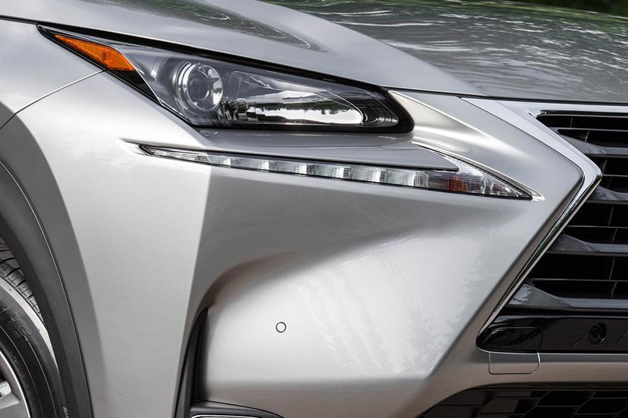 2015 Lexus NX 200t Photo 3 of 25