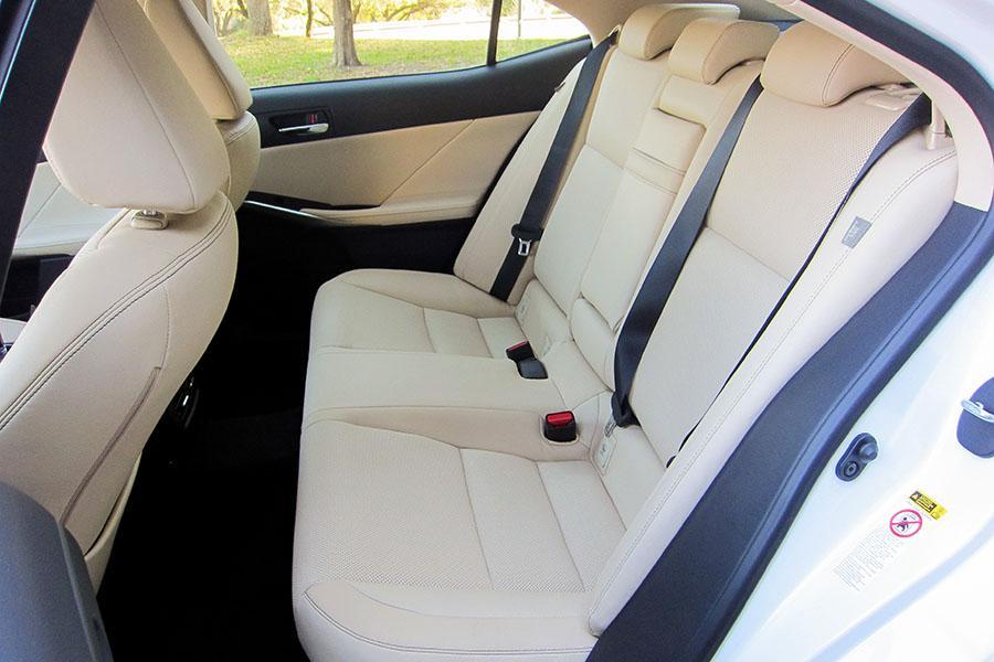 2015 Lexus IS 250 Photo 6 of 12