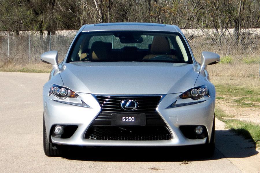 2015 Lexus IS 250 Photo 2 of 12